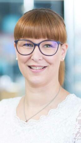 SEHHAUS Bernadette Huewe Augenoptik Meisterin SEHHAUS@2x uai